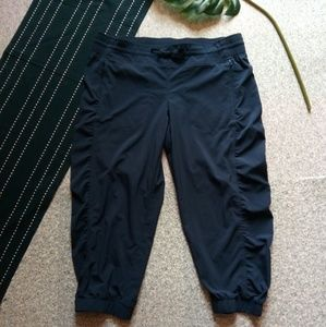 {Athleta} Navy Cropped Pants